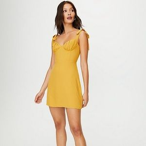 Aritzia Wilfred Cammy Dress